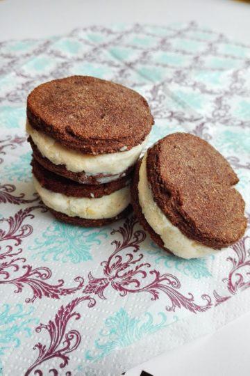 Kakaowe markizy z kremem orzechowym bez cukru (białkowo-tłuszczowy deser)