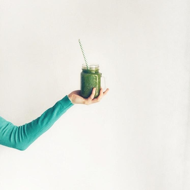 Zielony koktajl warzywno-owocowy