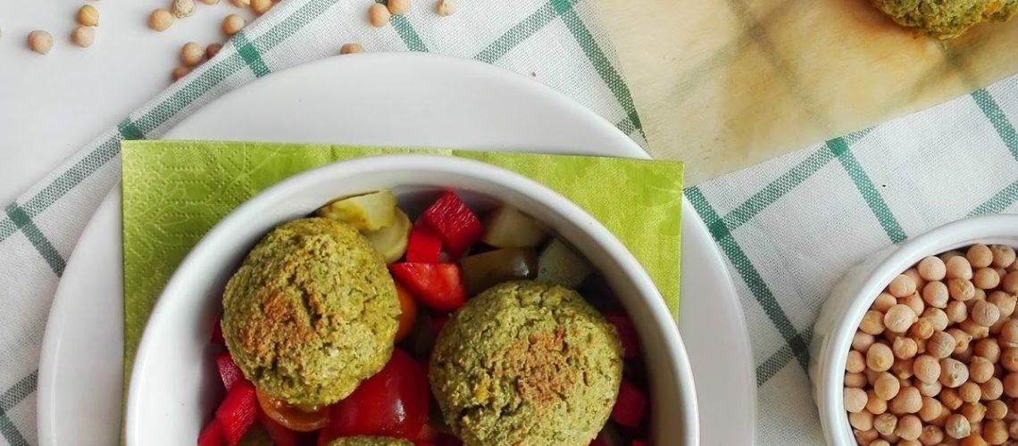 Pieczone falafele z zielonym groszkiem