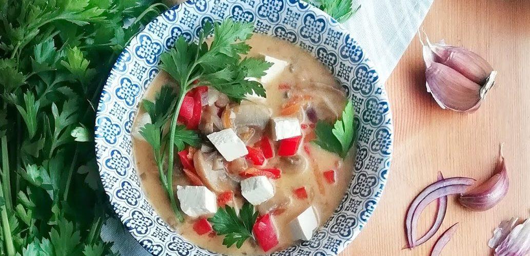 Orientalna zupa kokosowa
