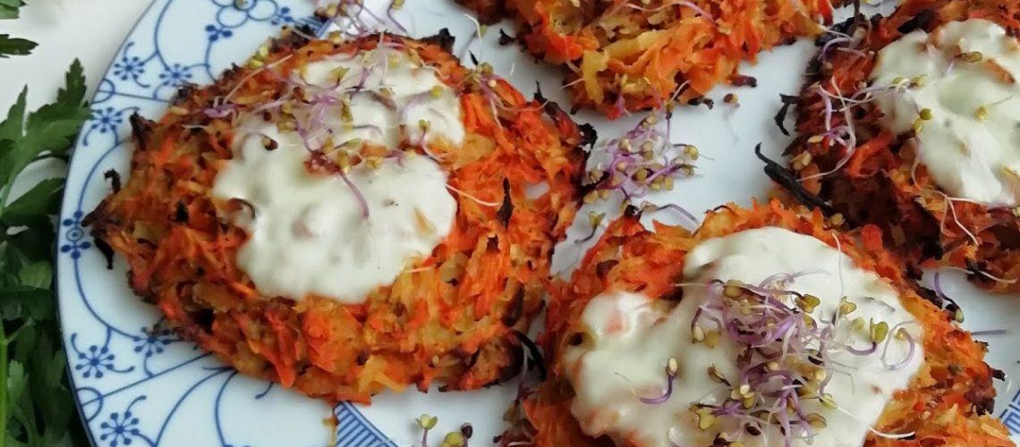 Pieczone placki z marchewki, ziemniaków i gruszki
