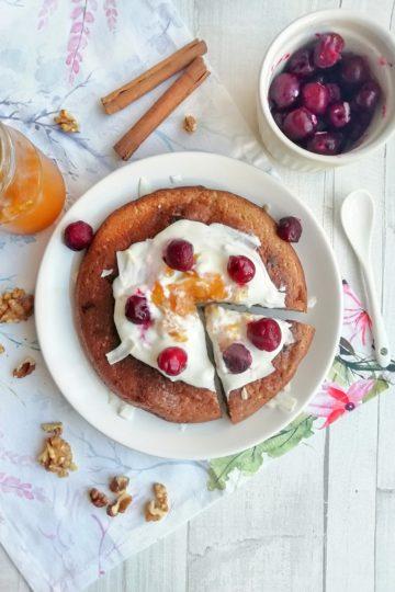 Śniadaniowy omlet bananowy lub zdrowe ciastko z patelni, bez dodatku cukru
