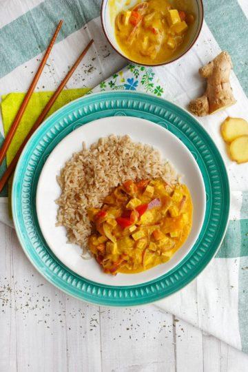 Curry z mango, mleczkiem kokosowym i tofu