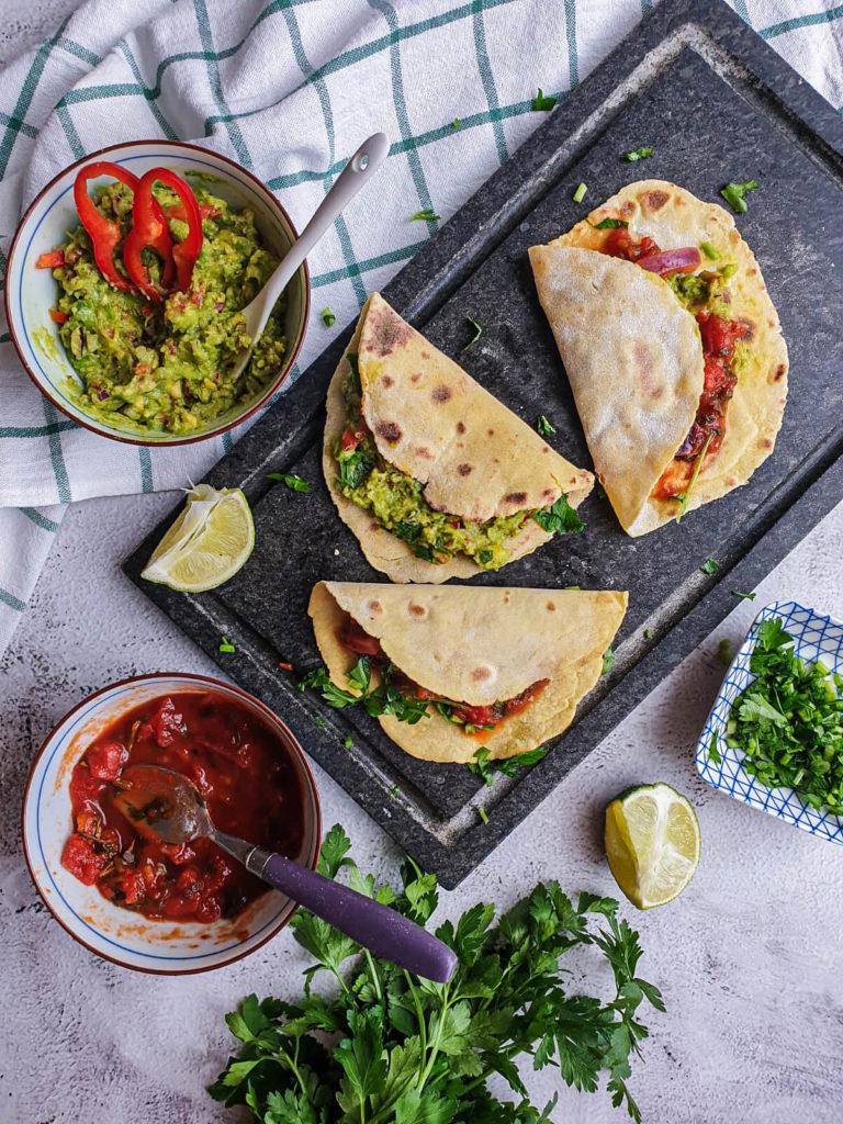 Domowe tortille z guacamole