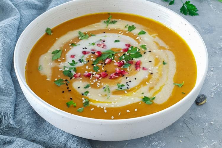 Zupa krem z dyni z mleczkiem kokosowym