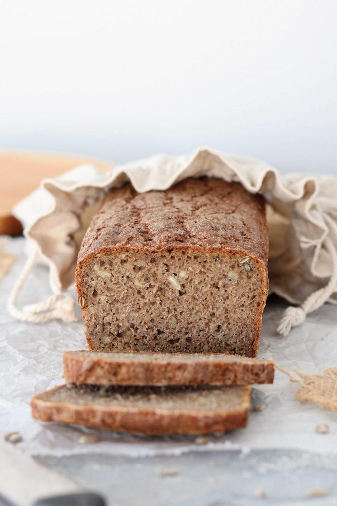 Chleb pełnoziarnisty na zakwasie